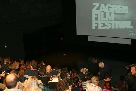 Projekcija filma u Plesnom centru